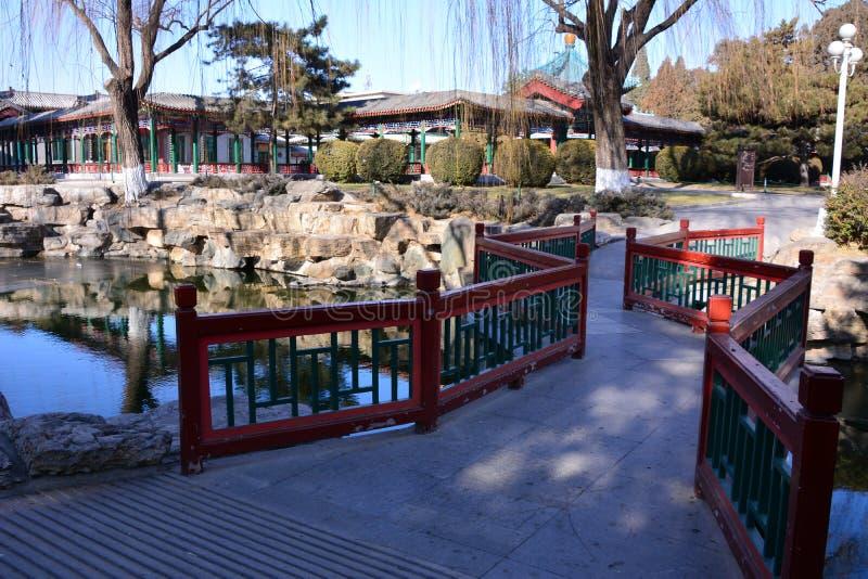 Pont de parc de Pékin images libres de droits
