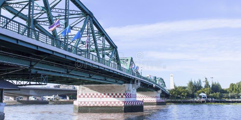 Pont de Phra Phuttha Yodfa, pont commémoratif en Thaïlande photo stock