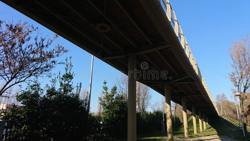 Pont de pied photographie stock libre de droits