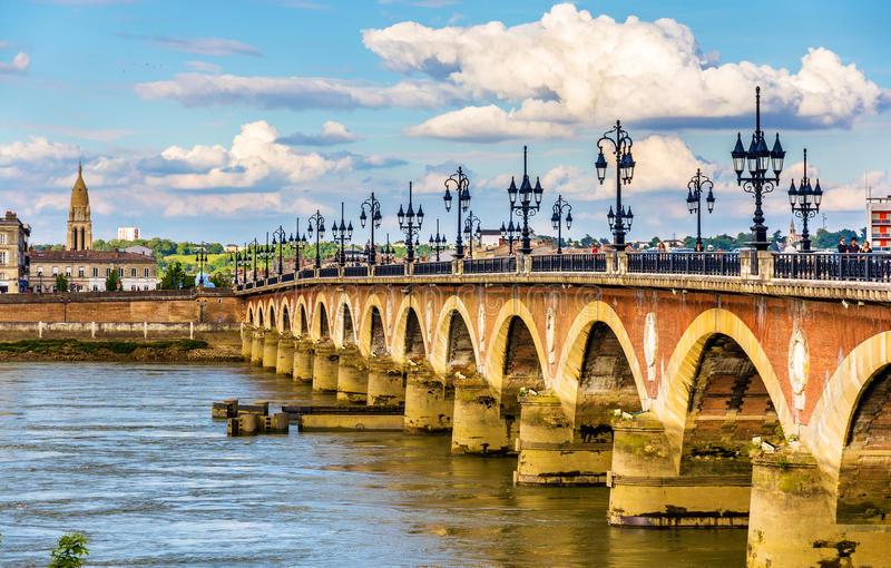 Pont DE Pierre in Bordeaux - Frankrijk royalty-vrije stock foto
