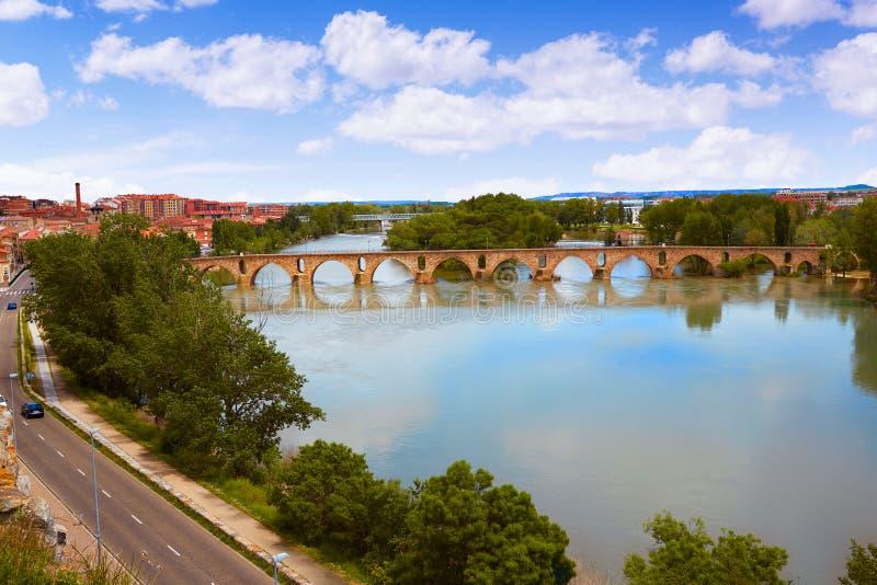 Pont de pierre de Zamora Puente de Piedra sur Duero images stock