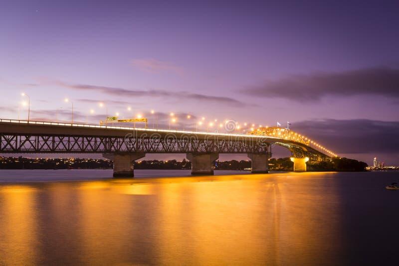Pont de port d'Auckland photo stock