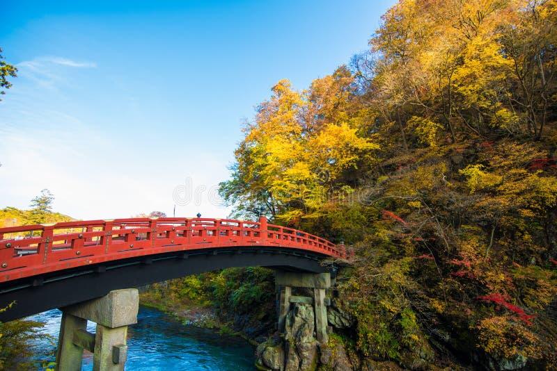 Pont de Shinkyo dans la saison d'automne ? Nikko, Japon images libres de droits