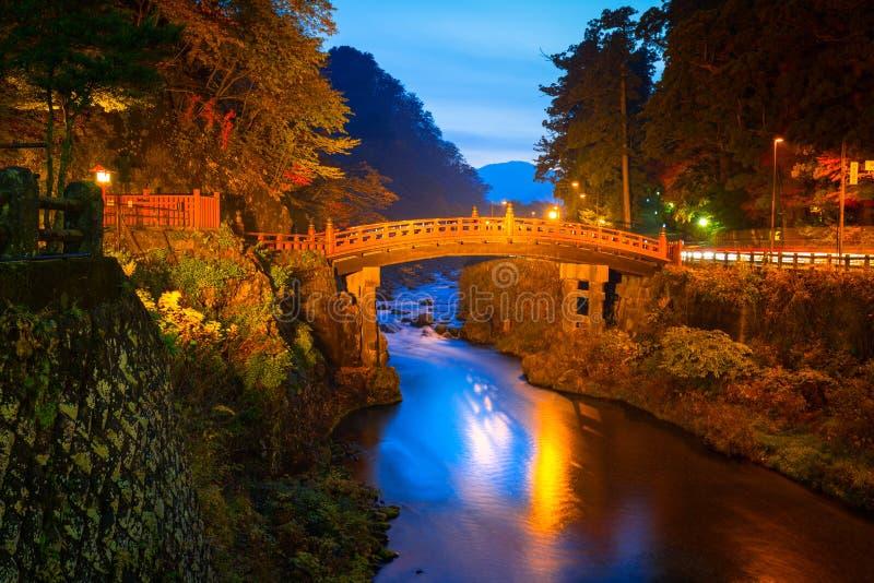 Pont de Shinkyo pendant l'automne à Nikko photo libre de droits