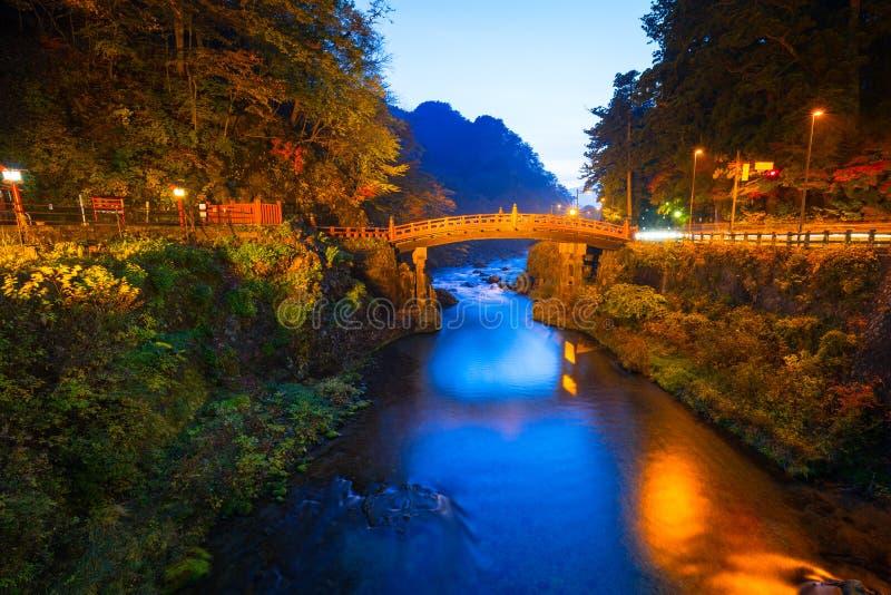 Pont de Shinkyo pendant l'automne à Nikko photos libres de droits