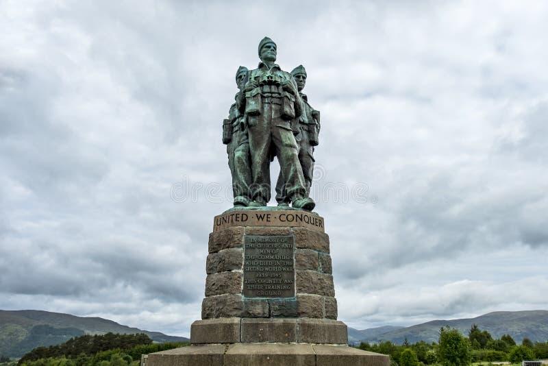 Pont de Spean, Ecosse - 31 mai 2017 : Un mémorial consacré aux hommes des forces britanniques de commando a augmenté pendant photo libre de droits
