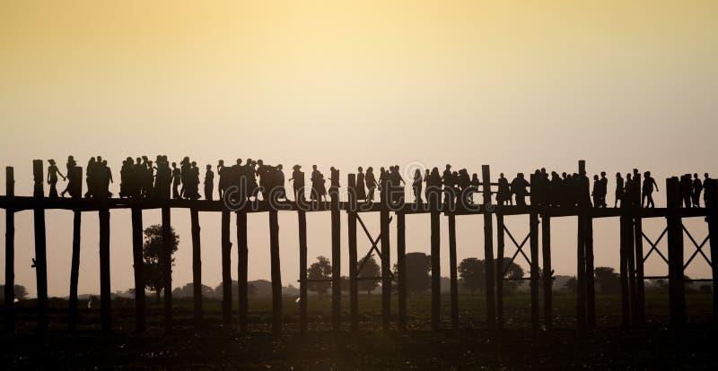 Pont de teakwood d'U Bein, Myanmar photographie stock libre de droits