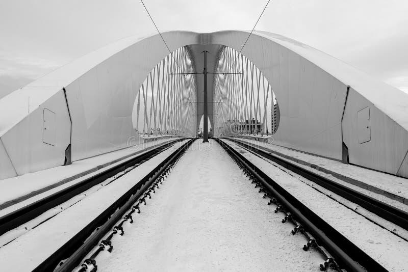 Pont de Troja, ville de Prague Groupe moderne d'architecture Abrégez le fond d'architecture images stock