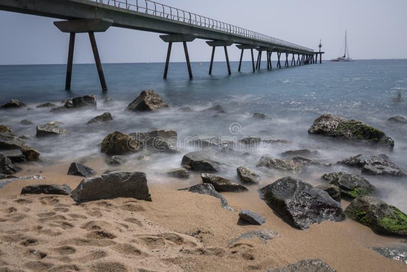 Pont Del Petroli skalisty wybrzeże zdjęcia stock
