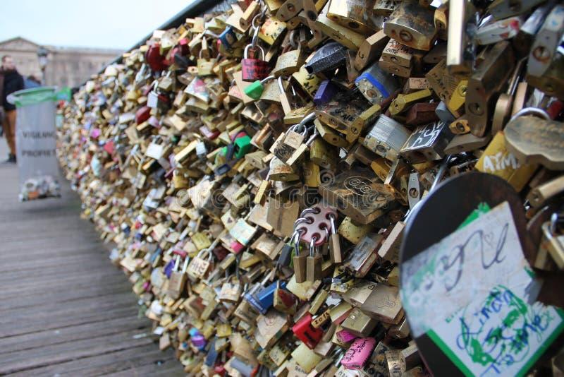 Pont des Arts no rio Seine fotografia de stock royalty free