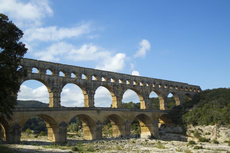 Pont du加尔省,在1世纪广告的古老罗马渡槽桥梁修造 图库摄影