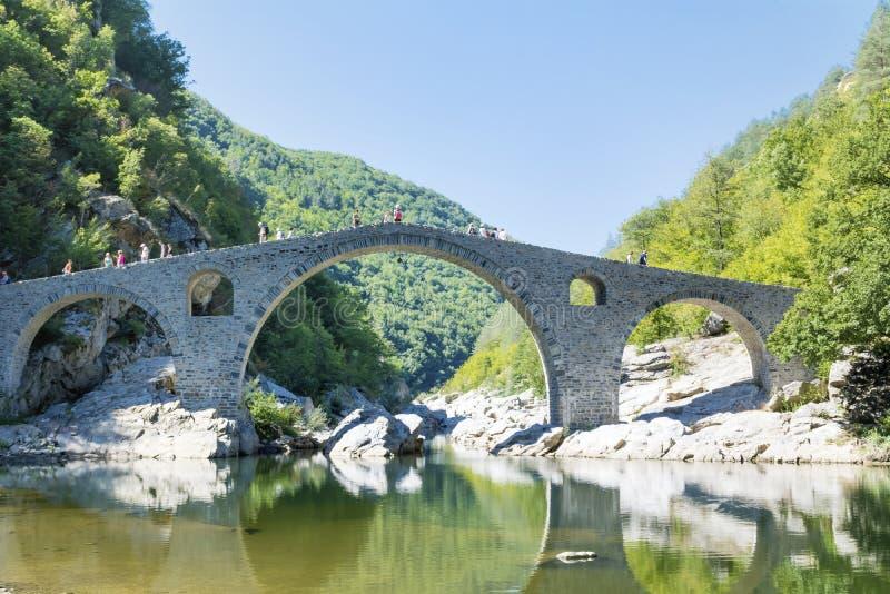 Pont du diable s en Bulgarie, montagne de Rodopite photos libres de droits