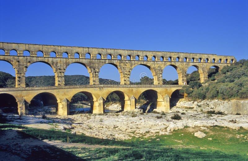 pont du gard мост-водовода стоковые изображения rf