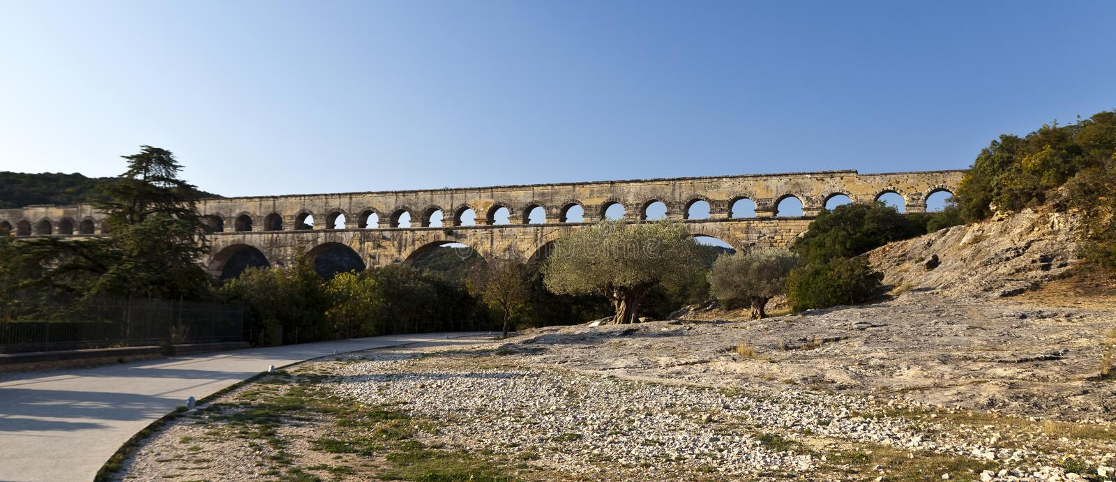 Download Pont Du Gard Royalty Free Stock Photos - Image: 23588648
