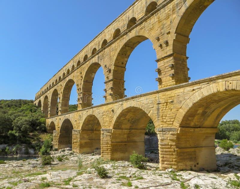 Pont du Gard, forntida Roman Aqueduct i sydliga Frankrike royaltyfri bild