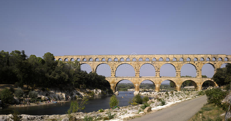Pont du Gard: Roman aquaduct in zuidelijk Frankrijk n royalty-vrije stock afbeelding