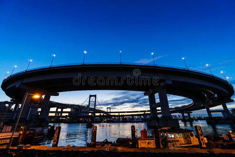 Pont en arc-en-ciel dans Japan  images stock