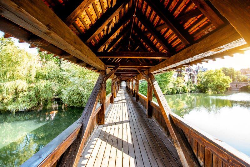 Pont en bois antique dans Nurnberg, Allemagne photographie stock