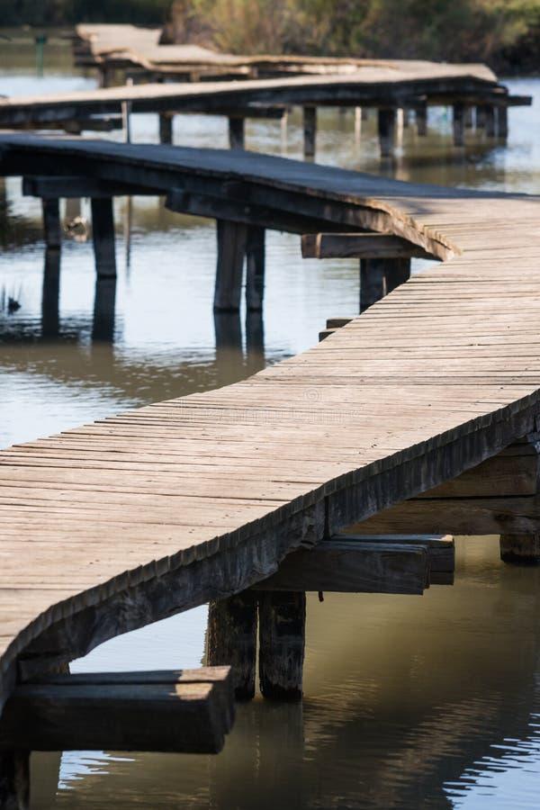 Pont en bois chez Ein Afec images stock