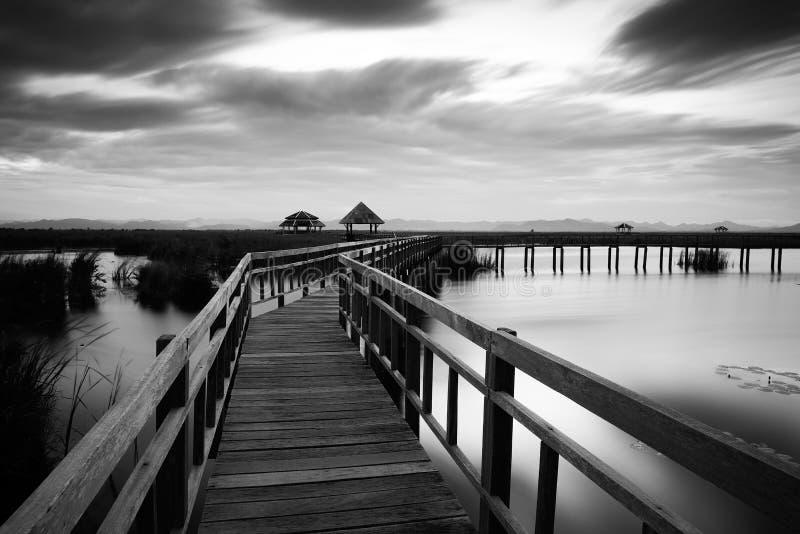 Pont en bois Sam Roi Yod photos libres de droits
