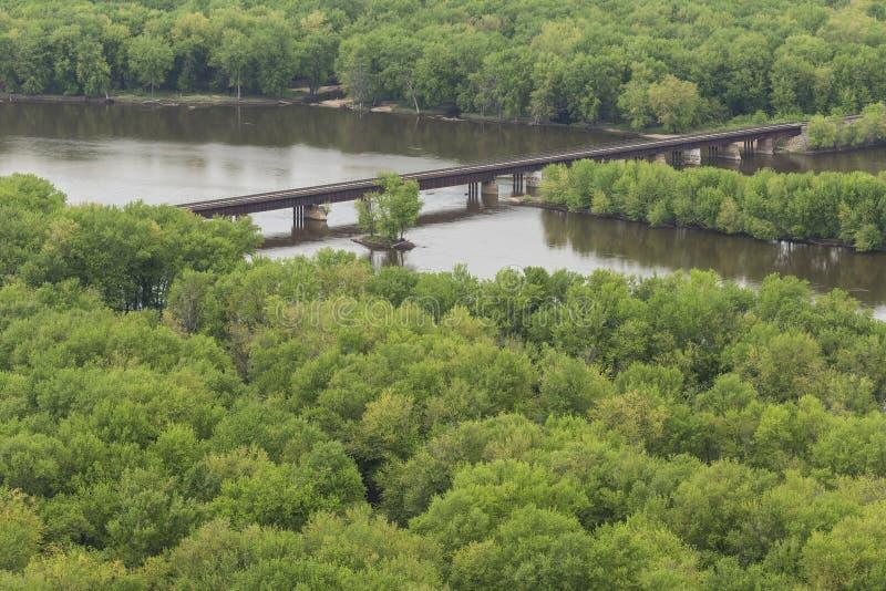 Pont en chemin de fer de la rivière Wisconsin photographie stock libre de droits