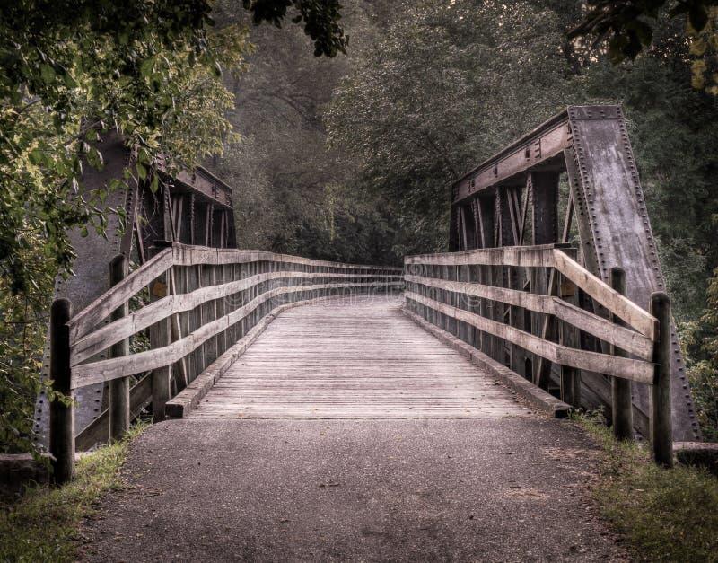 Pont en chemin de fer de Repurposed images libres de droits