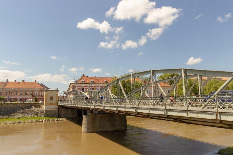 Pont en fer dans Lugoj, Timis, Roumanie photo libre de droits