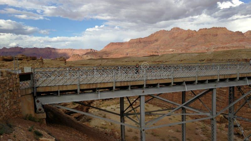 Pont en-Metall-dans Nachtisch lizenzfreie stockfotos