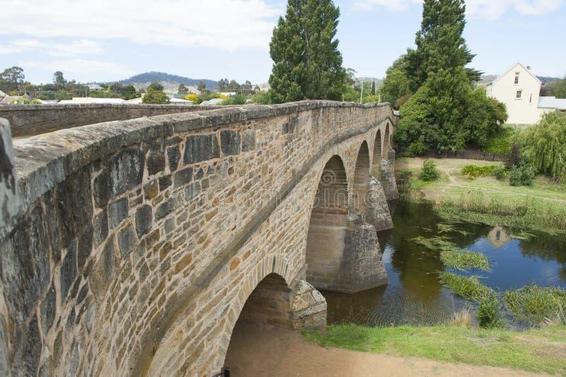 Pont en pierre d'héritage à Richmond, Tasmanie photographie stock libre de droits