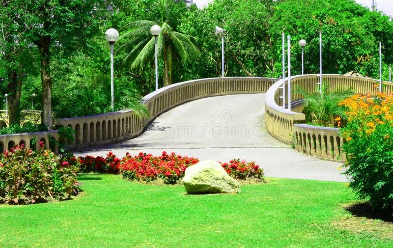 Download Pont En Pierre De Voûte En Parc, Thaïlande Photo stock - Image du construction, jour: 56479532