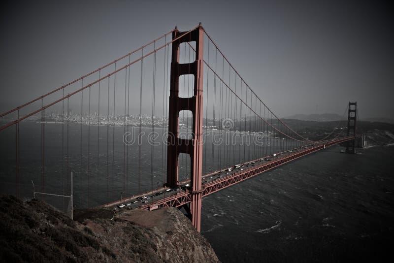 Pont en porte d'or le ROUGE images libres de droits