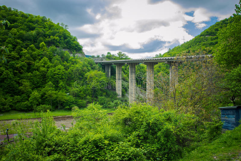 Pont en route dans le site photographie stock