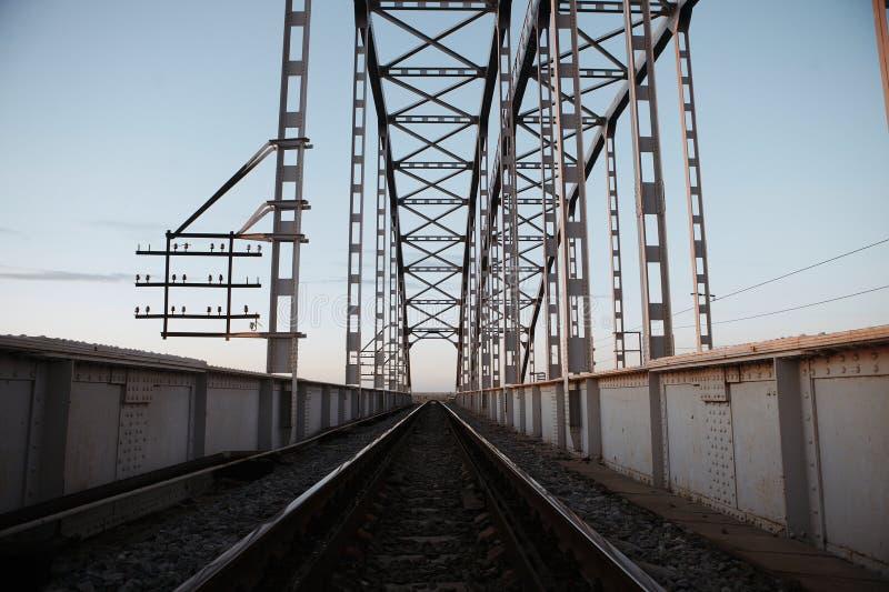 Pont en voie ferrée en métal photos libres de droits