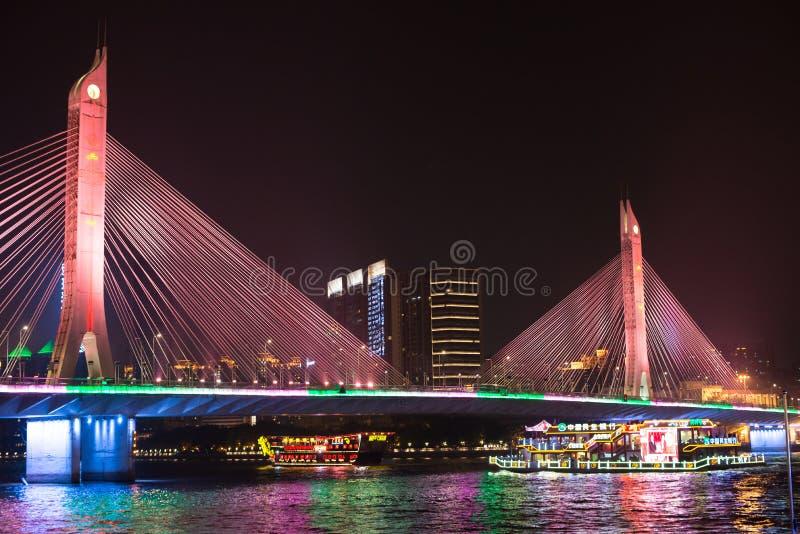 Pont et bateau sur Pearl River image stock