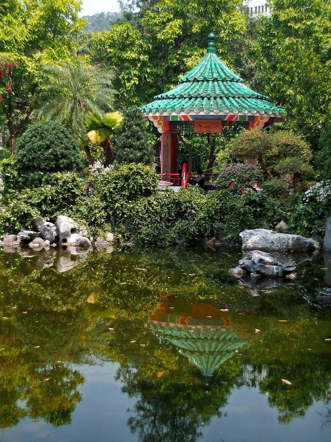 Pont et pavillon de voûte en Mei Foo, Hong Kong photographie stock