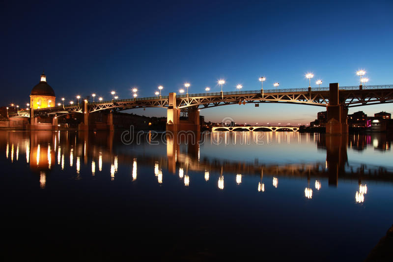 Pont heilige-Pierre in Toulouse stock afbeelding