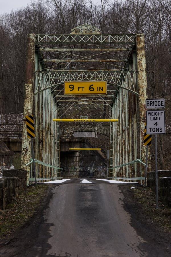 Pont historique de moulin de colins - Pennsylvanie rurale photographie stock libre de droits