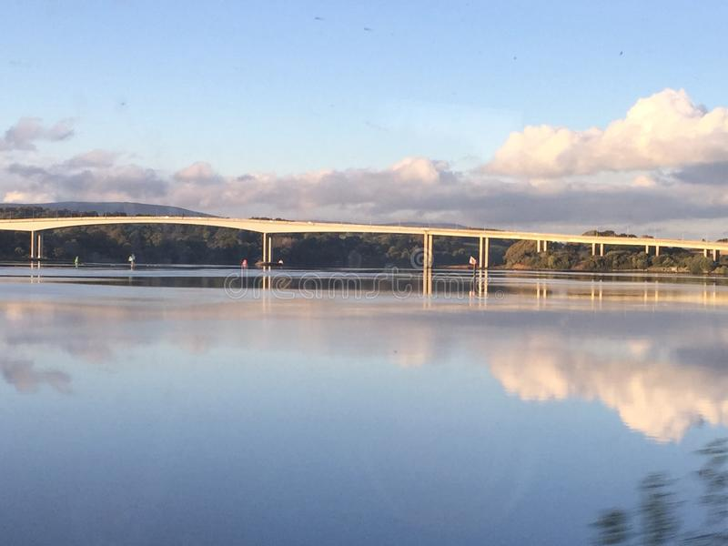 Pont Irlande du Nord de Foyle image stock
