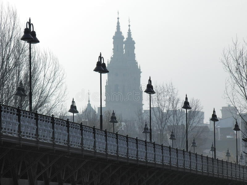 Pont, lampadaire photographie stock libre de droits
