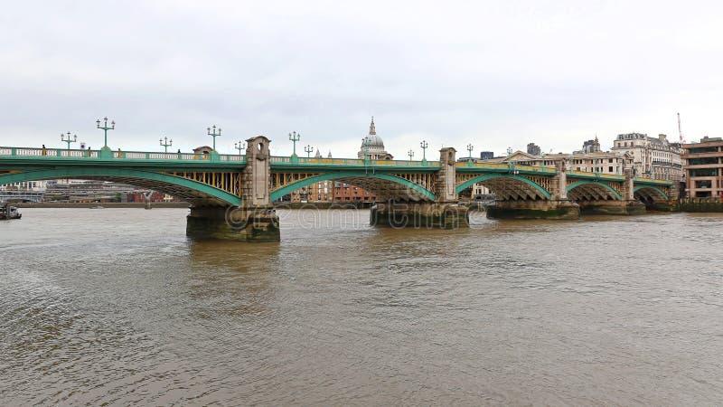 Pont Londres de Southwark photographie stock libre de droits
