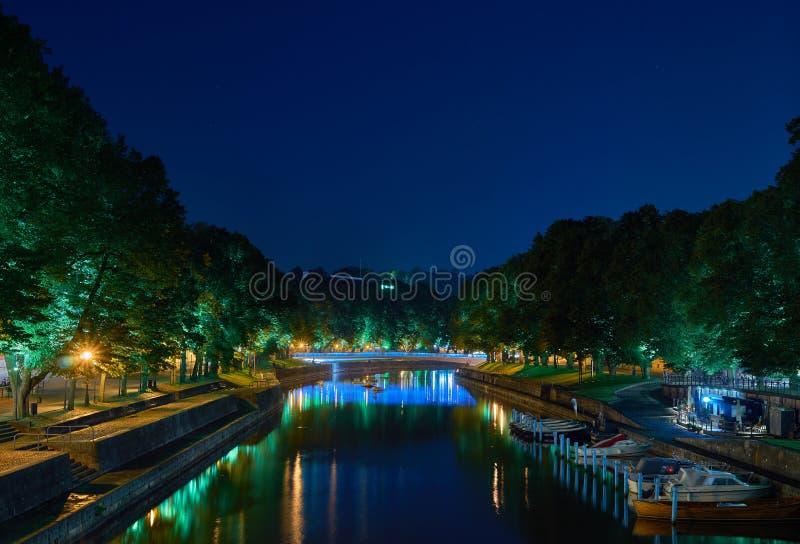 Pont lumineux coloré Longue exposition photos libres de droits