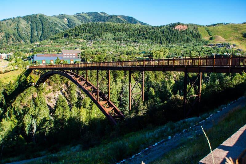 Pont magnifique en vue d'Aspen Colorado Mountain Town Side photo stock