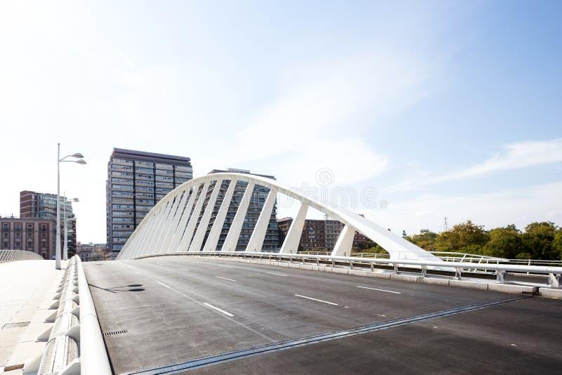 Pont moderne, station de métro d'Alameda images libres de droits