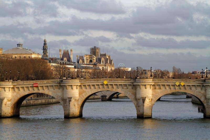 Pont Neuf em Paris fotos de stock