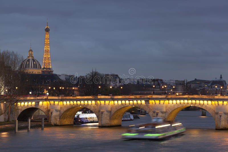Pont Neuf w Paryż fotografia stock