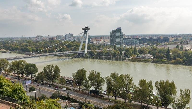 Pont ou Novy d'UFO plus à Bratislava, Slovaquie image stock