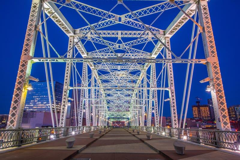 Pont piétonnier à Nashville du centre Tennessee images stock
