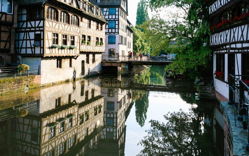 Pont plus de rivière malade dedans à Strasbourg photographie stock libre de droits