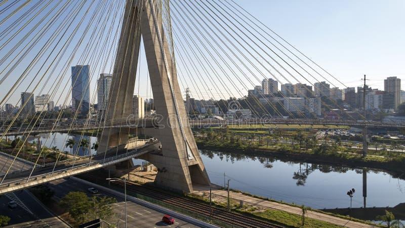 Pont resté à Sao Paulo, Brésil images stock