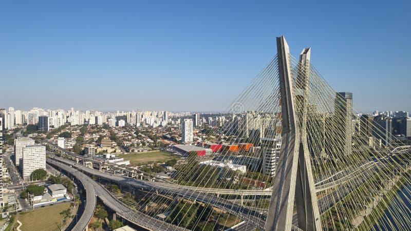 Pont resté à Sao Paulo, Brésil image libre de droits